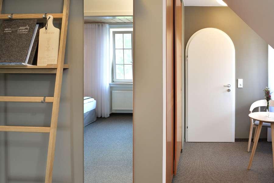 Zimmer 04 - 8-6 - 900x600
