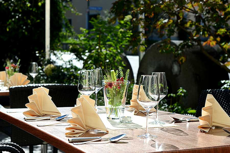 Gartenterasse-2-Klosterhof-Gutenzell-900x600
