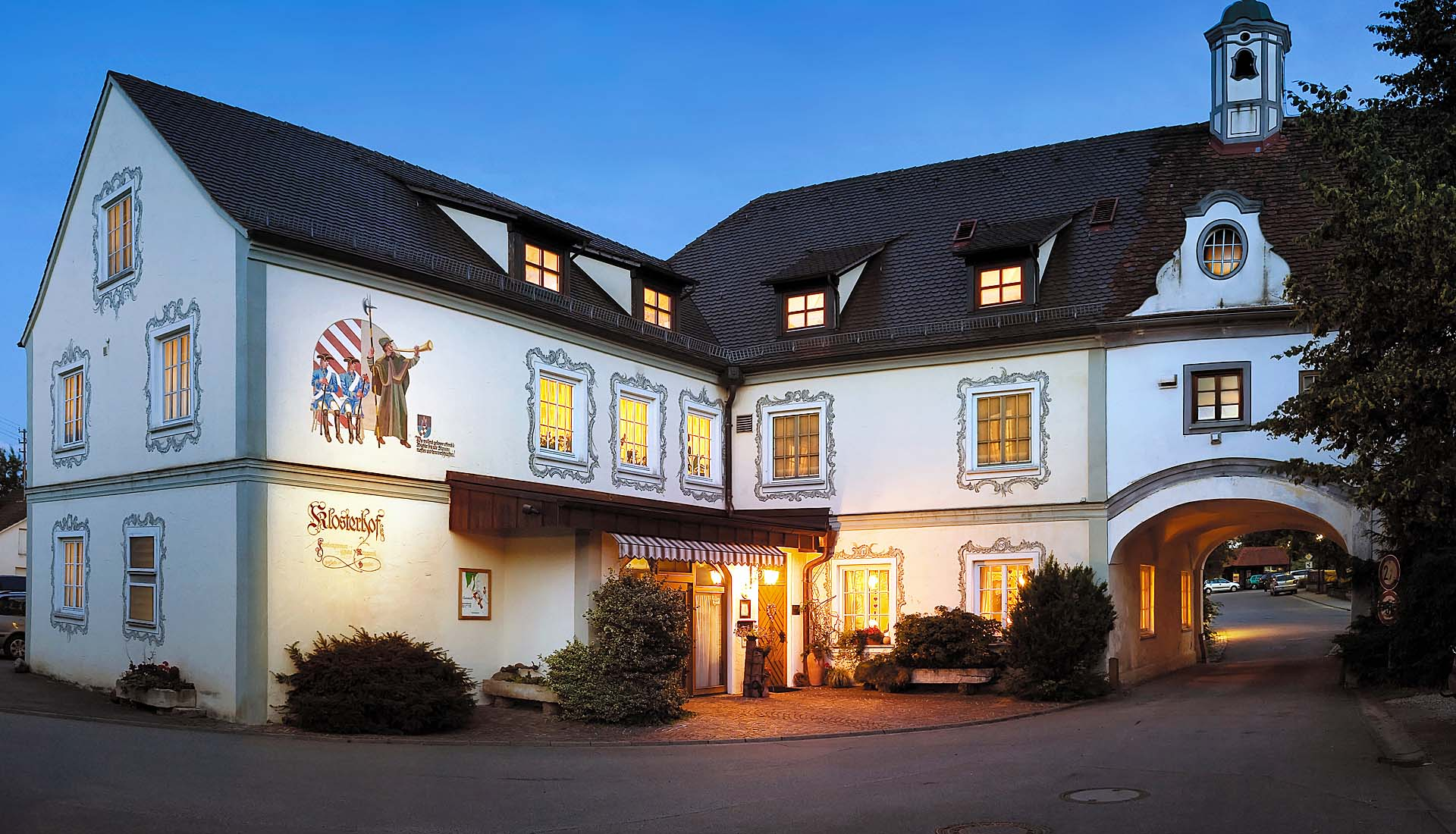 Slide Hotel Aussen-KLosterhof Gutenzell-1920x1100